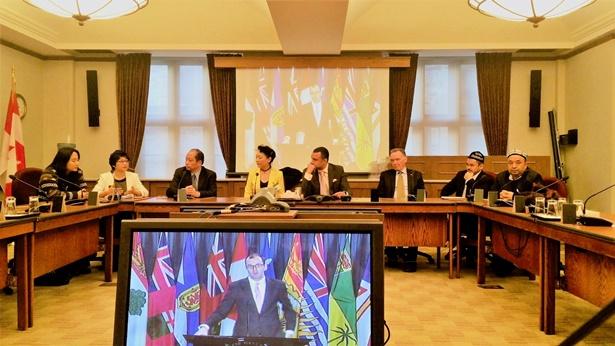 部分参会代表就中国人权问题会晤议员Peter Kent