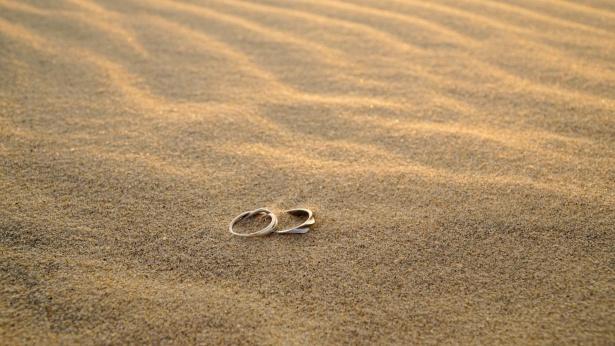 海灘上的戒指