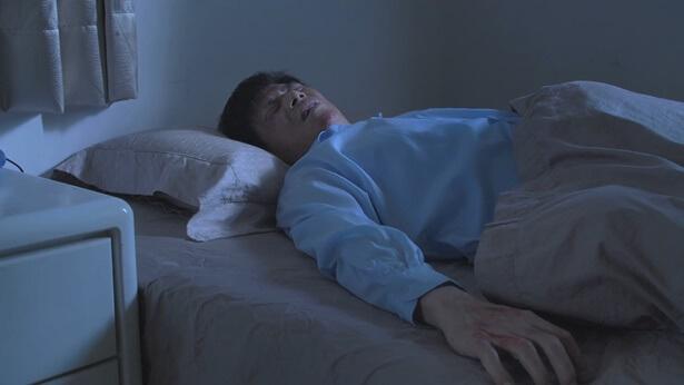 弟兄被中共警察酷刑殴打躺在床上